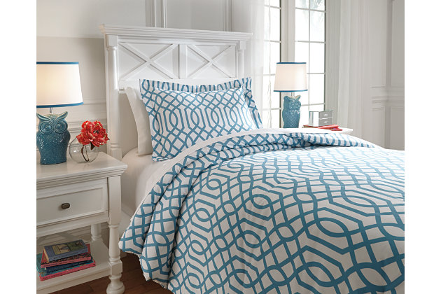 Loomis 2-Piece Twin Comforter Set by Ashley HomeStore, Bl...
