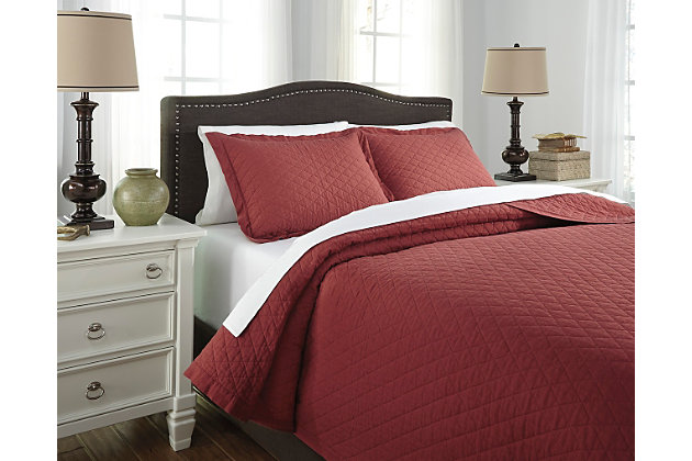 Alecio 3-Piece Queen Quilt Set by Ashley HomeStore, Red