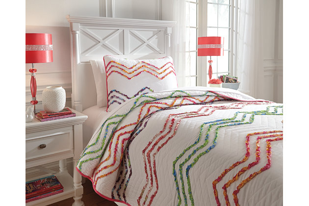 Multi-Color Lacentera 2-Piece Twin Quilt Set by Ashley HomeStore, Cotton (100 %)