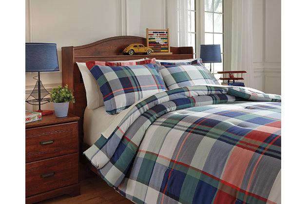 Mannan 3-Piece Full Comforter Set by Ashley HomeStore, Pl...