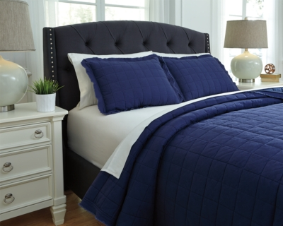 One of a kind Queen Coverlet Set Navy Piece Product Photo