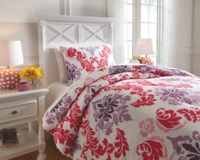 Ashley Ventress 2-Piece Twin Comforter Set, Berry