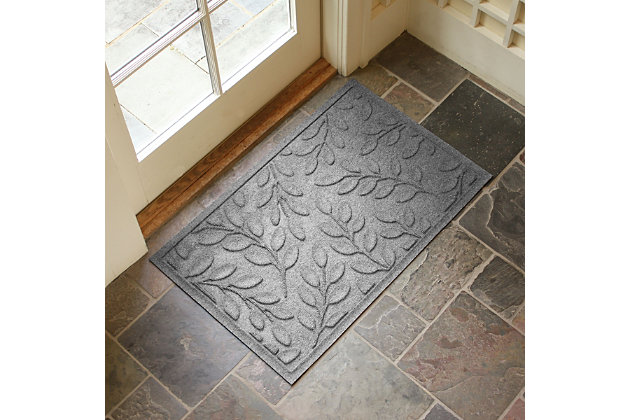 "Home Accents Aqua Shield 1'11"" x 2'11"" Brittany Leaf Indoor/Outdoor Doormat, Gray, large"