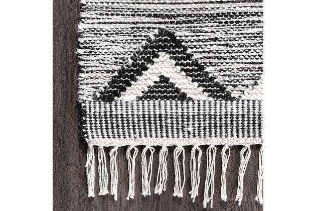 Nuloom Savannah Shaggy Moroccan Fringe 5' x 8' Area Rug, Black, large