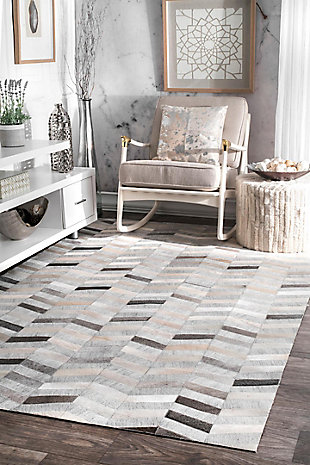 Nuloom Handmade Cowhide Mitch 5' x 8' Area Rug, Silver, rollover