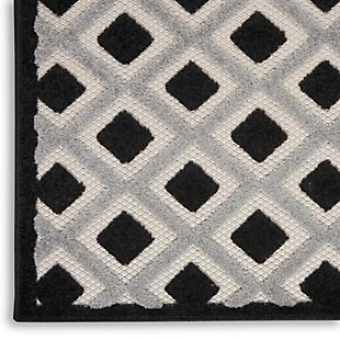 "Nourison Aloha 5'3"" X 7'5"" Black White Geometric Indoor/outdoor Rug, Black/White, large"