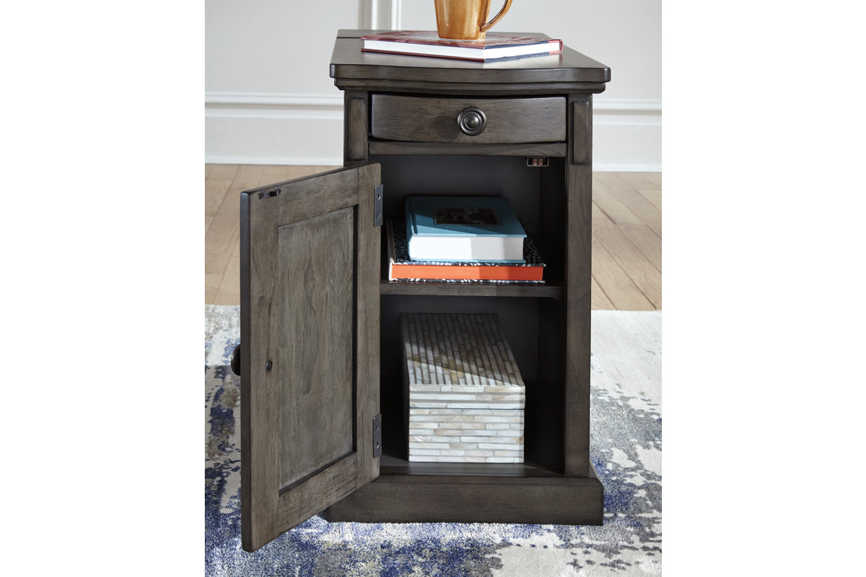 Laflorn Chairside End Table With Usb Ports Outlets Ashley Furniture Homestore