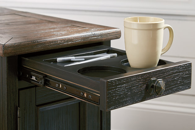 Tyler Creek Chairside End Table With Usb Ports Amp Outlets