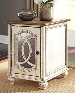 Realyn Chairside End Table, , rollover