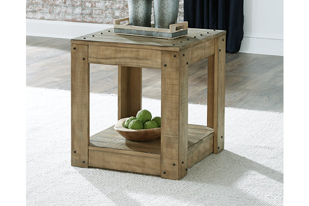 Lindalon End Table, , large